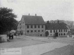 Byfogdhuset og Svaneapoteket på Stavanger torg