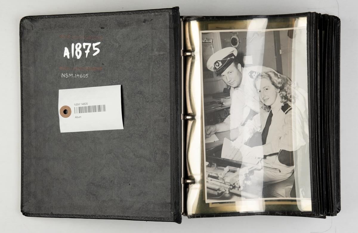 Album med fotografier av M/S 'Fernplant' (b.1939) i Lagos, Nigeria i 1948.