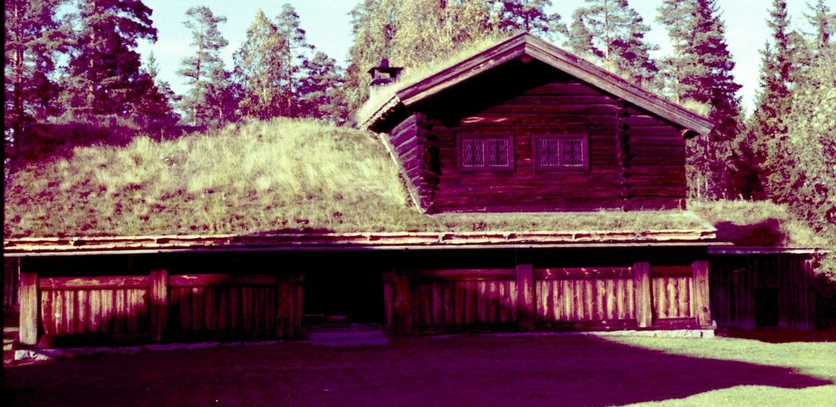 Stemsrudstua. Fargenegativ. foto H. Skirbekk