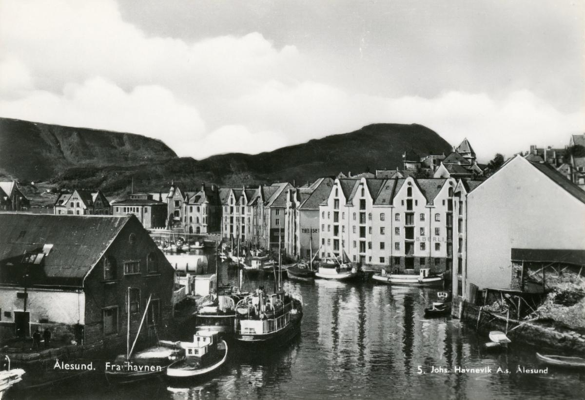 Oversiktsbilde av Brusundet i Ålesund, sett mot sør-vest.