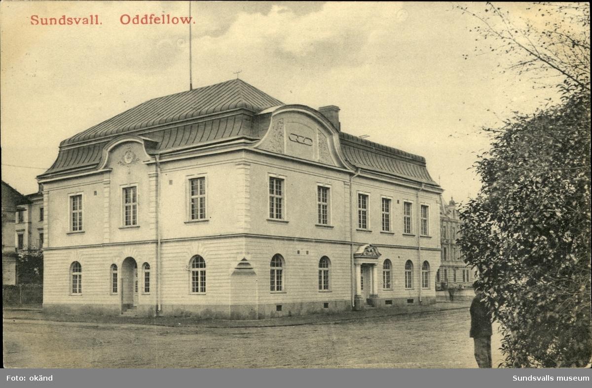 Vykort med motiv över Oddfellow-huset i Sundsvall.