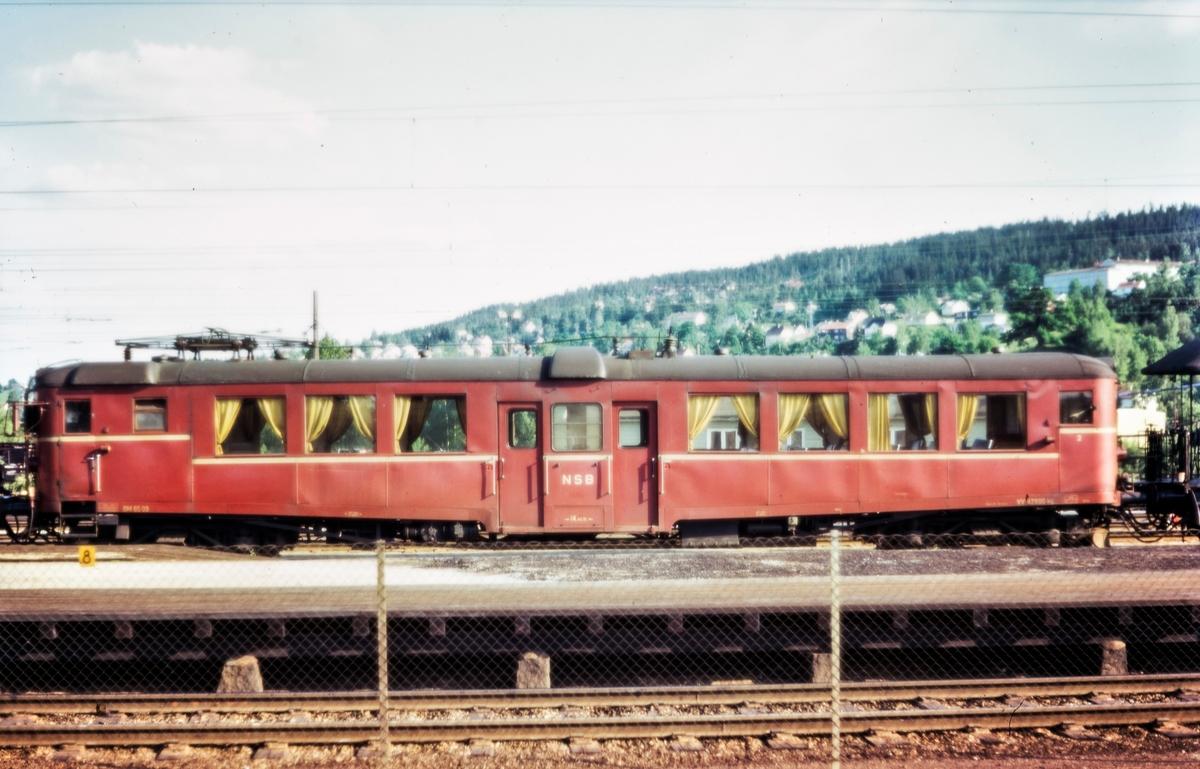 Elektrisk motorvogn BM 65 09 på Lillestrøm stasjon
