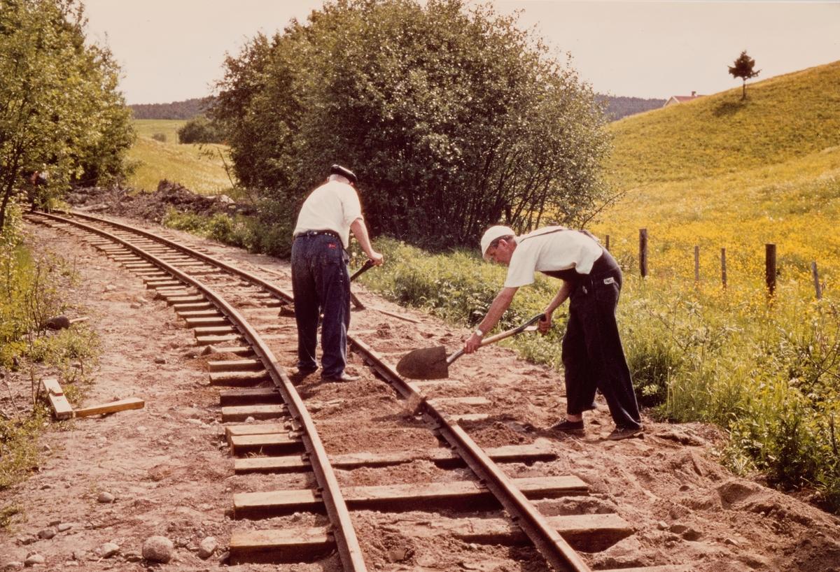 Banearbeid på museumsbanen Urskog-Hølandsbanen på gjenoppbygget spor mellom Fyen og Sørumsand