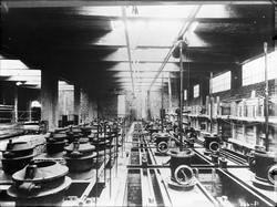 Smelteverket på Thamshavn. Innvendig i fabrikken.