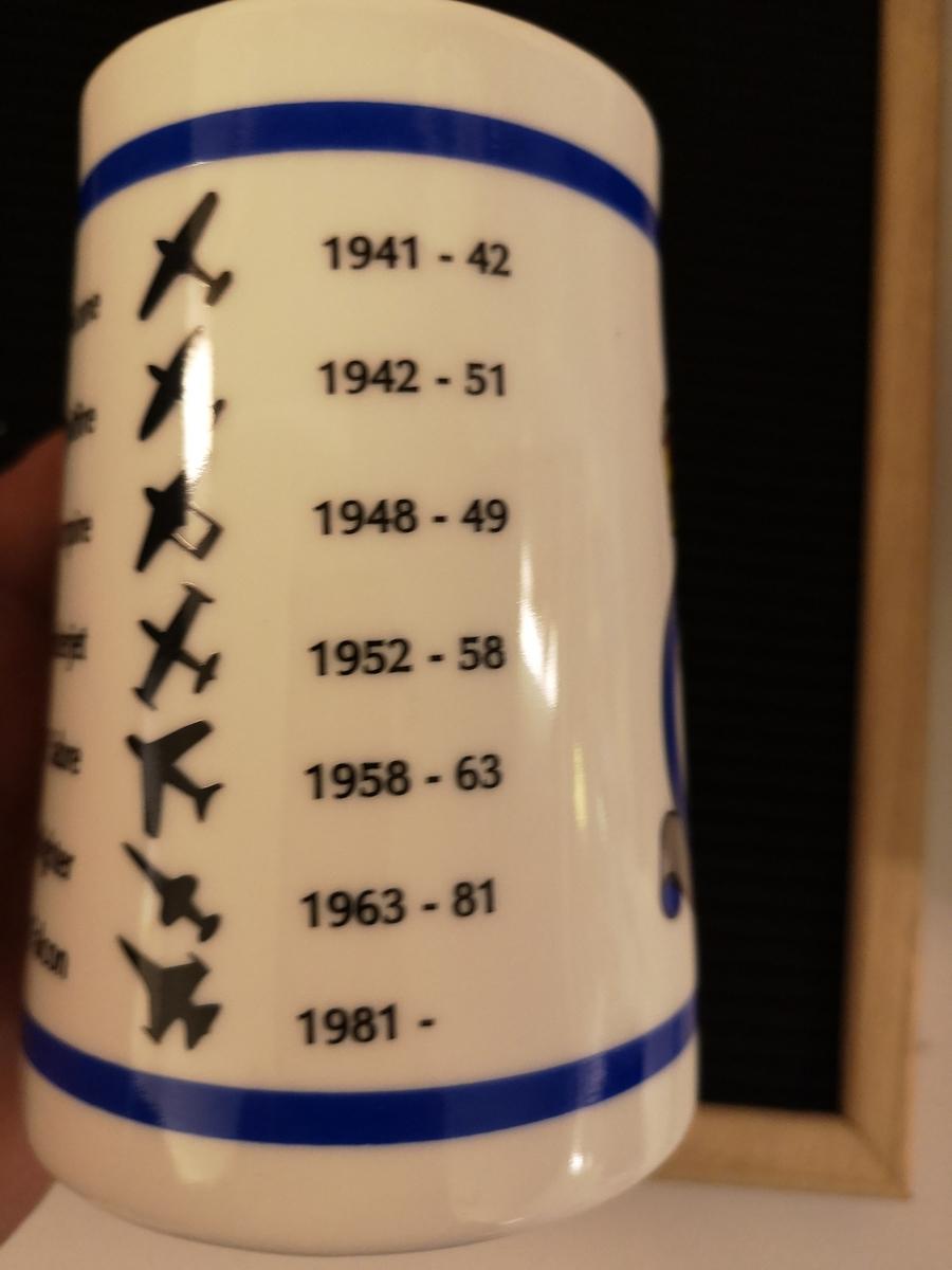 331 skv emblem. Flere flytyper, med tidsperiode.