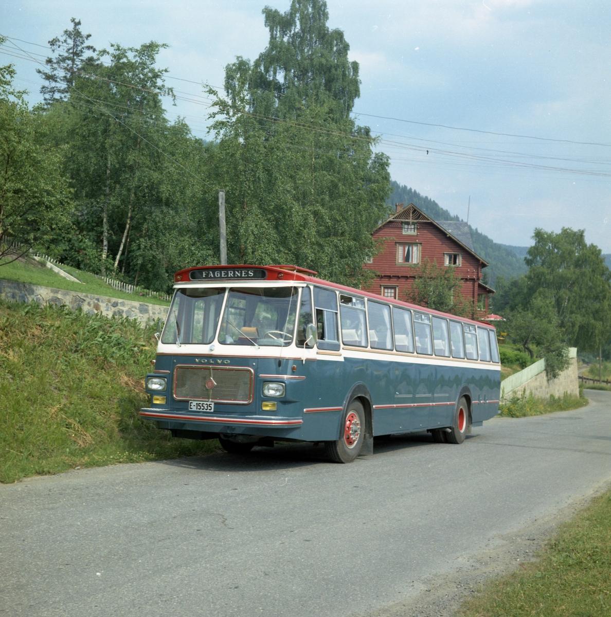 E-15535, buss tilhørende A.S Jotunheimen og Valdresruten Bilselskap.