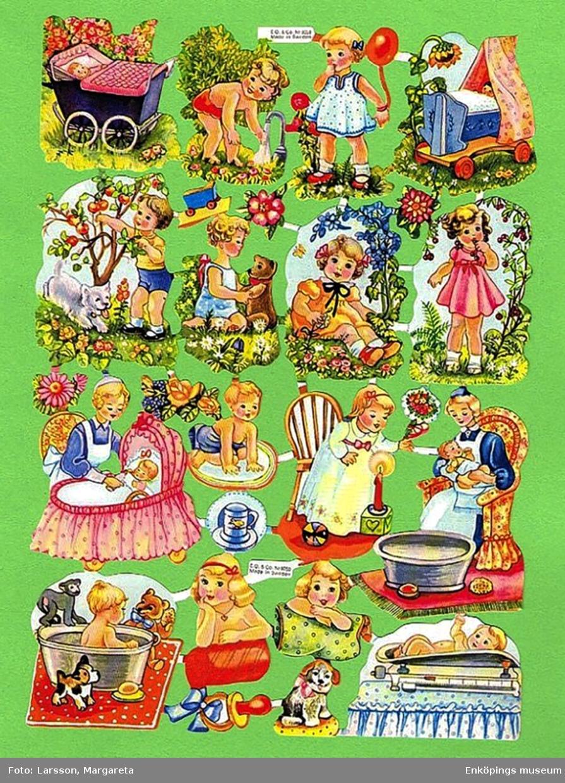 """Två bokmärken från det svenska förlaget och tryckeriet Erik F. Olsson & Co, även kallat """"E.O & Co"""" eller """"EO"""".  Bokmärkena kommer från karta EO 8058. Konstnär/ tecknare: Ewa Schildt, Motiv: Barn. Skrivet på baksidan: """"Minne av Pia lördag 16 feb. 1963"""". E.O & Co var verksamma mellan åren 1945 - 1970 och tryckte ca 250 olika bokmärkeskartor. (Bild nummer två visar karta EO 8058 som bokmärkena kommer ifrån. Kartan är ett privat foto lånat av Margareta Larsson, Spånga)"""