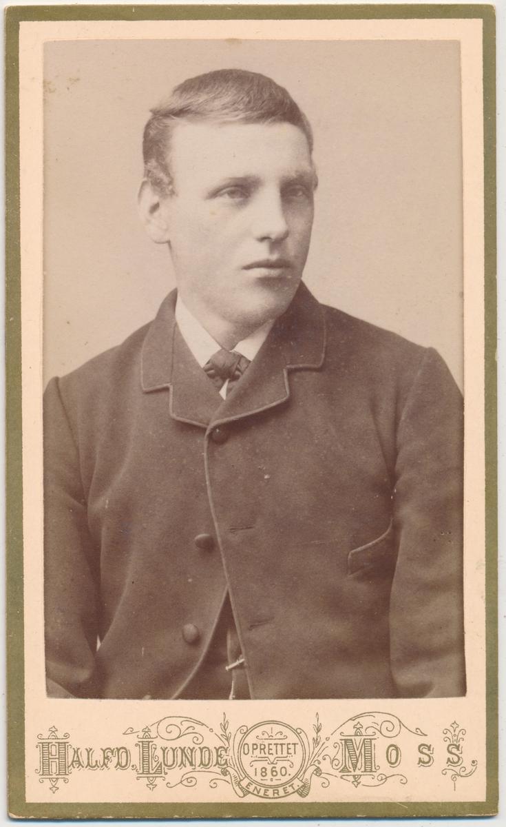 Portrett av ung mann, ukjent