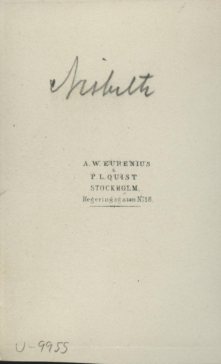 Nisbeth.