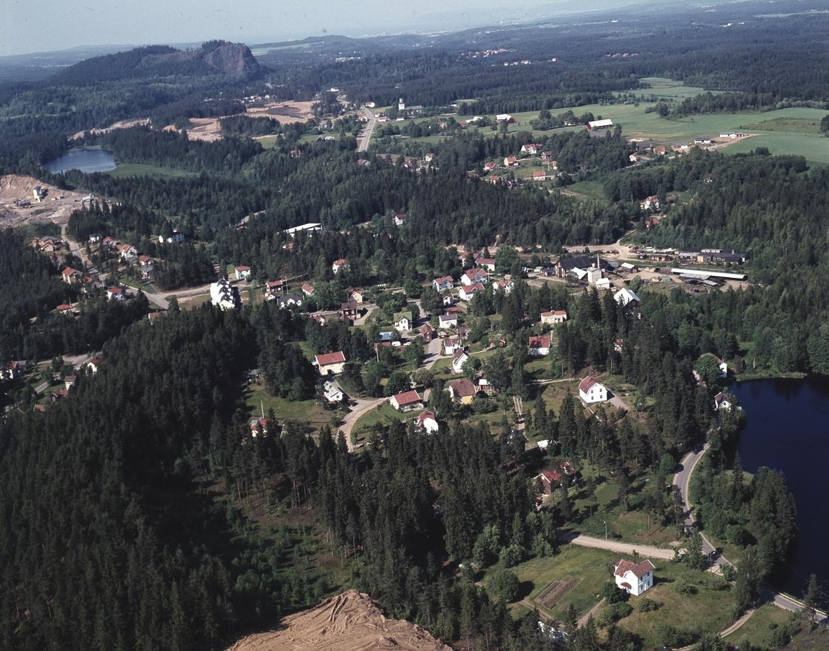 Flygfoto över Månsarp i Jönköpings kommun.  147/1970