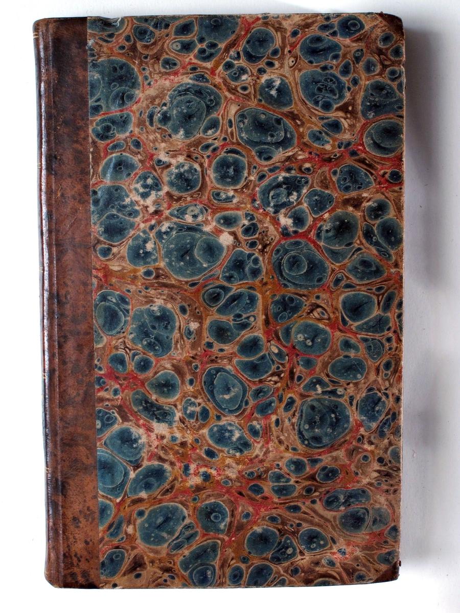 Brun skinnrygg med sort og gull, marmorert papir i blått, rødt og brunt.