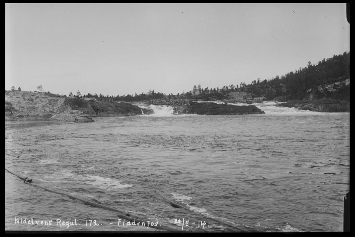 Arendal Fossekompani i begynnelsen av 1900-tallet CD merket 0446, Bilde: 71 Sted: Flatenfoss løftedam Beskrivelse: Regulering
