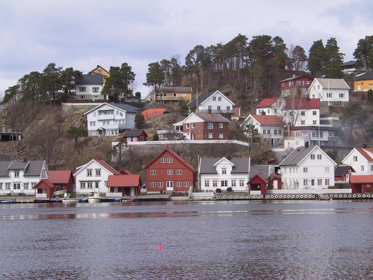 Gammel bebyggelse og miljøtilpasset ny bebyggelse på Hansnes i Arendal.