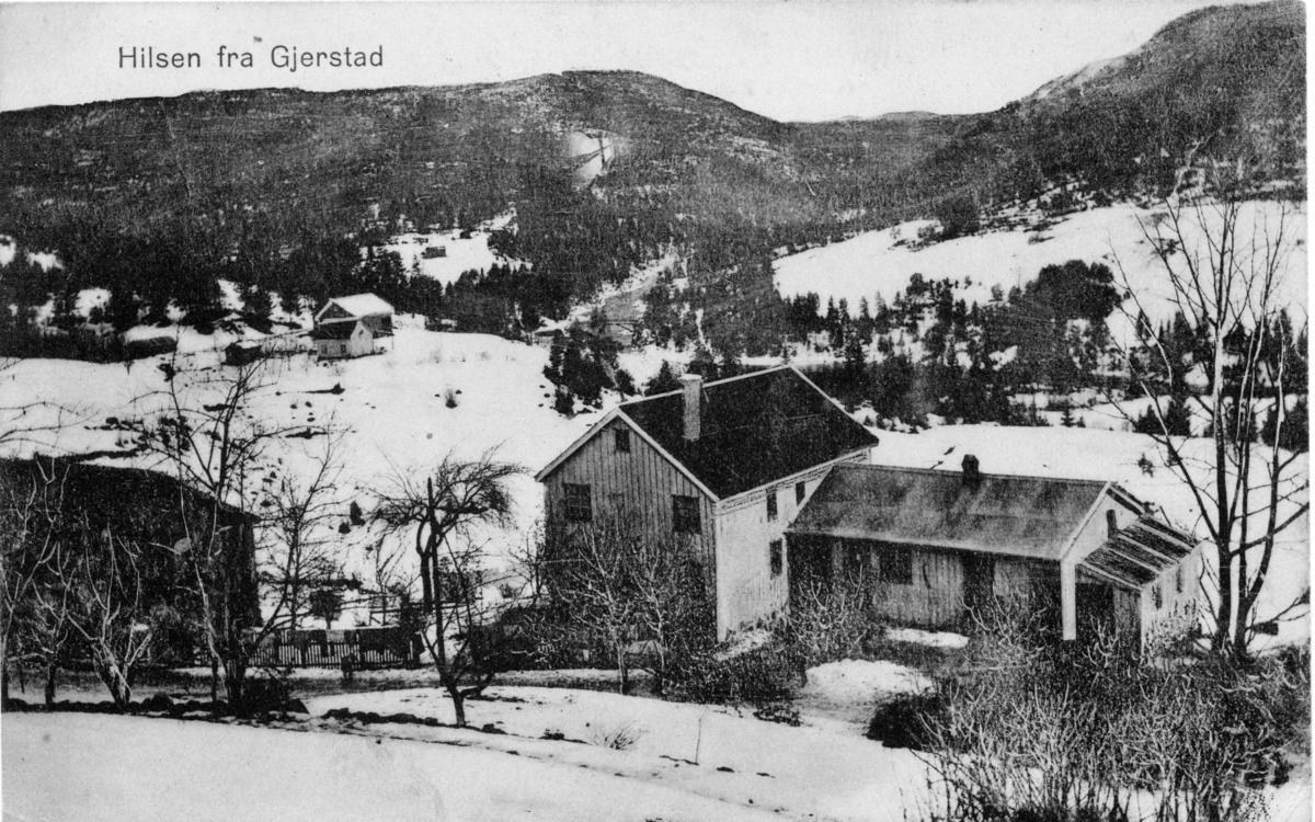 Gården øvre Røed i Gjerstad. Bebodd fra 1915 av Kittil og Rannei Heiland med barna Tora, Ingeborg, Tengel og Kåre. (Rannei døde i 1984.)