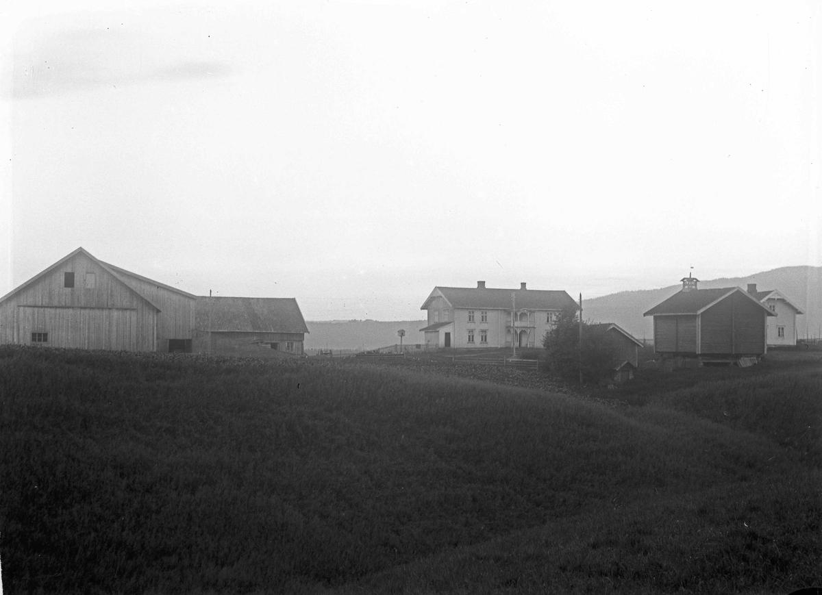 Hoel, østre, P B Hoel, gård, 1924