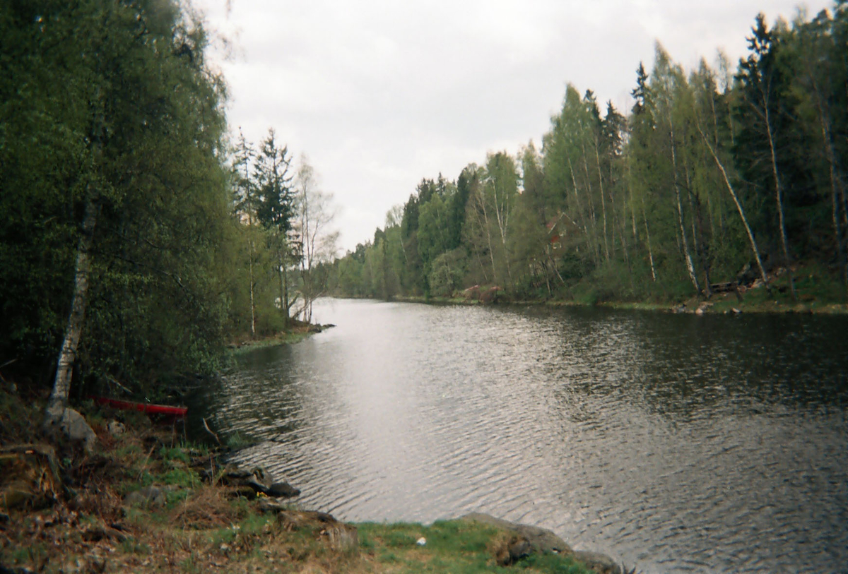 Motiv fra Lørenskog. Utsikt langs Langvannet.