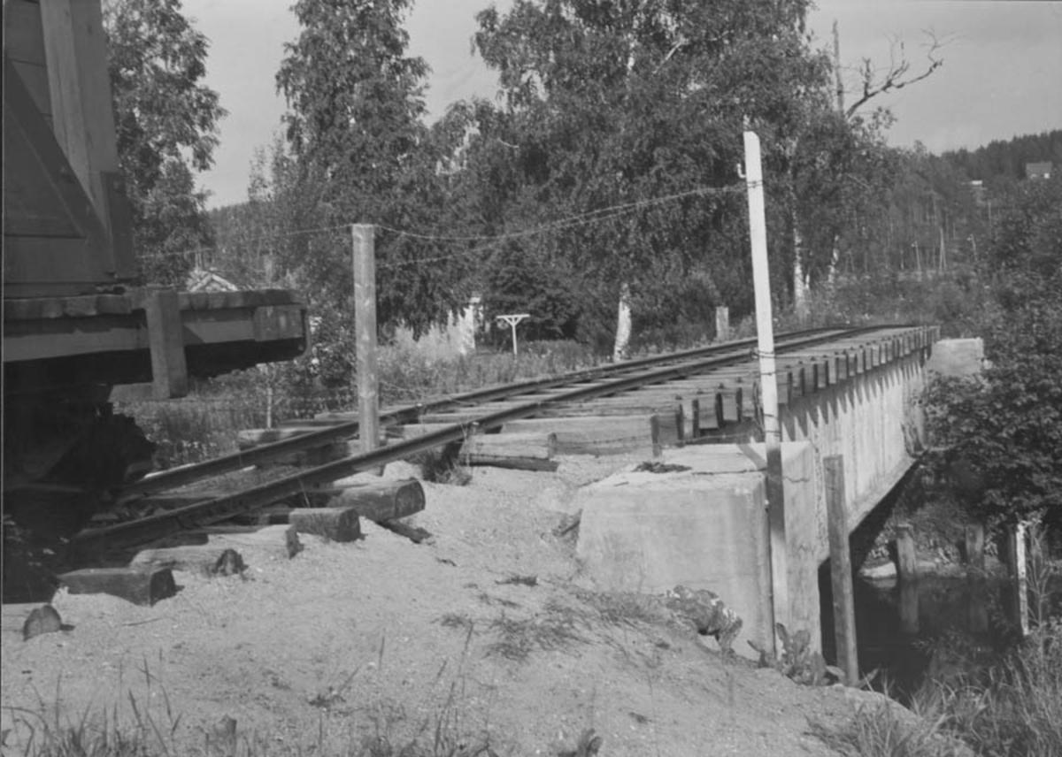 Bro til Eidsverket.Stasjon Bjørkelangen.