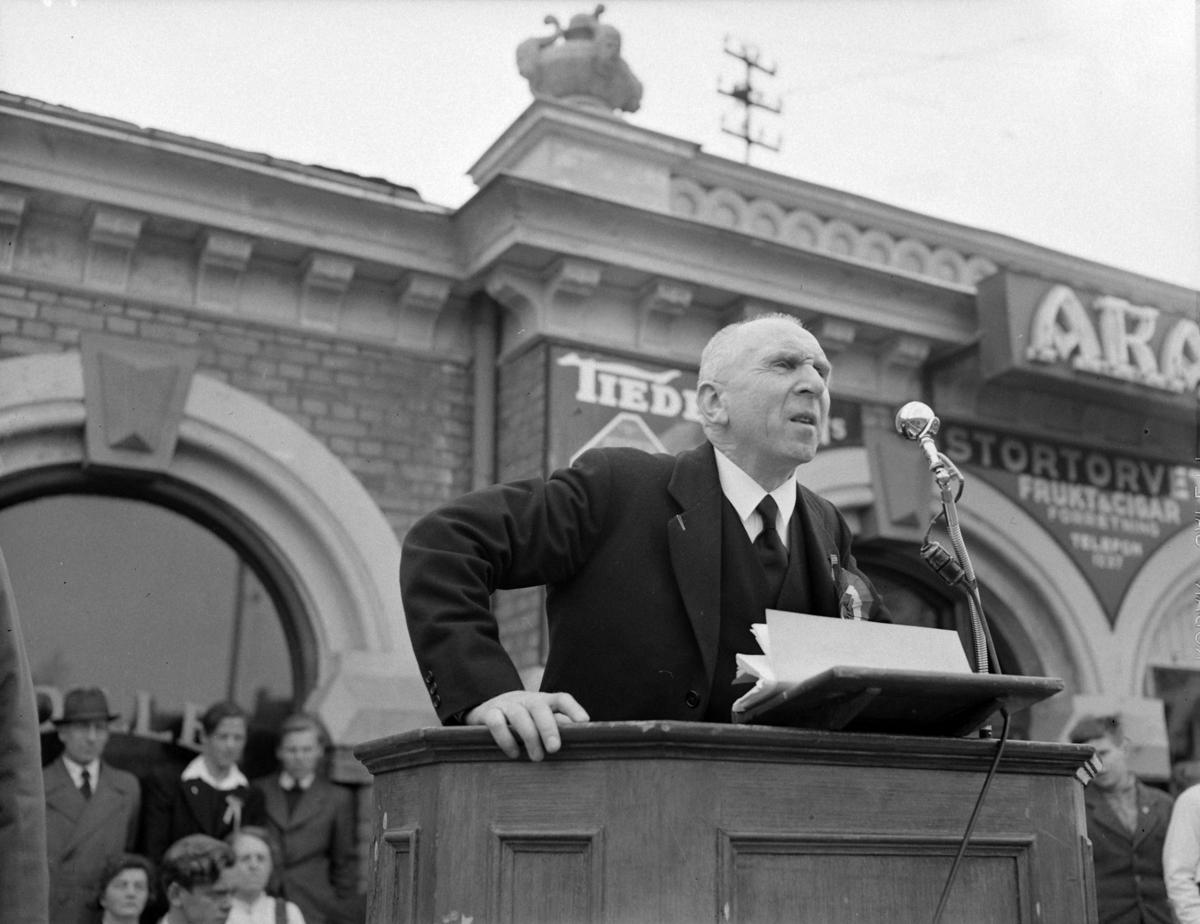 17 MAI 1949, FORSKJELLIGE NEGATIVER, HAMAR.