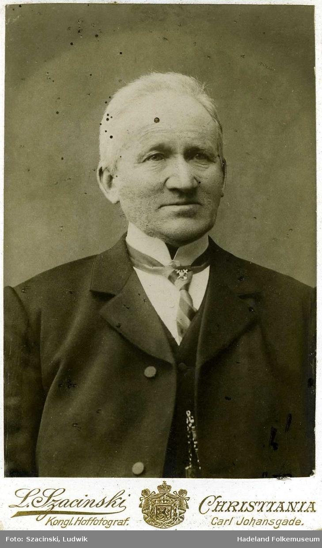 Portrett av Ole Olsen Tingelstad