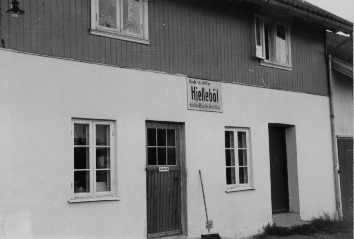 Hjellebøl stasjon.