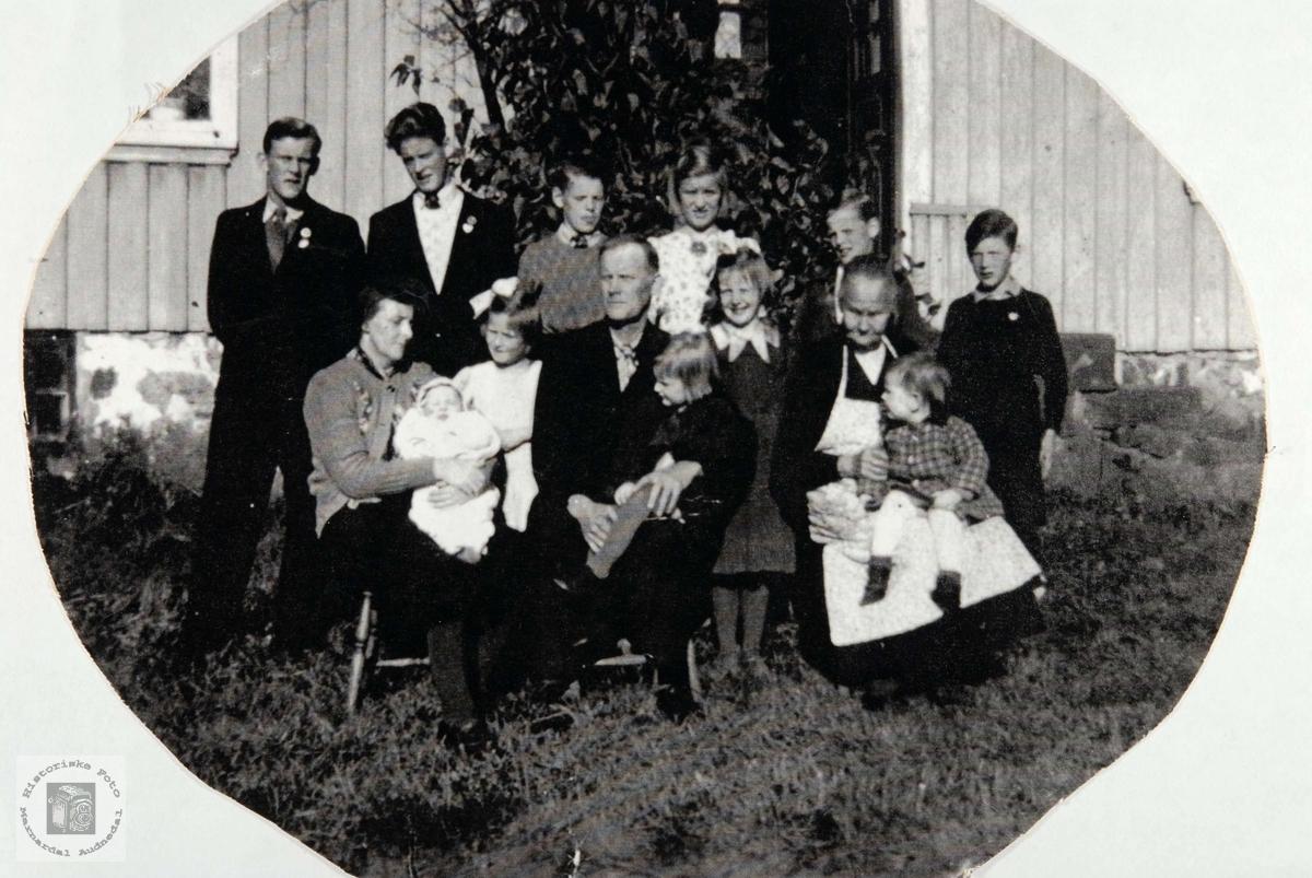 Familien Arnt Larsen Konsmo. Audnedal.