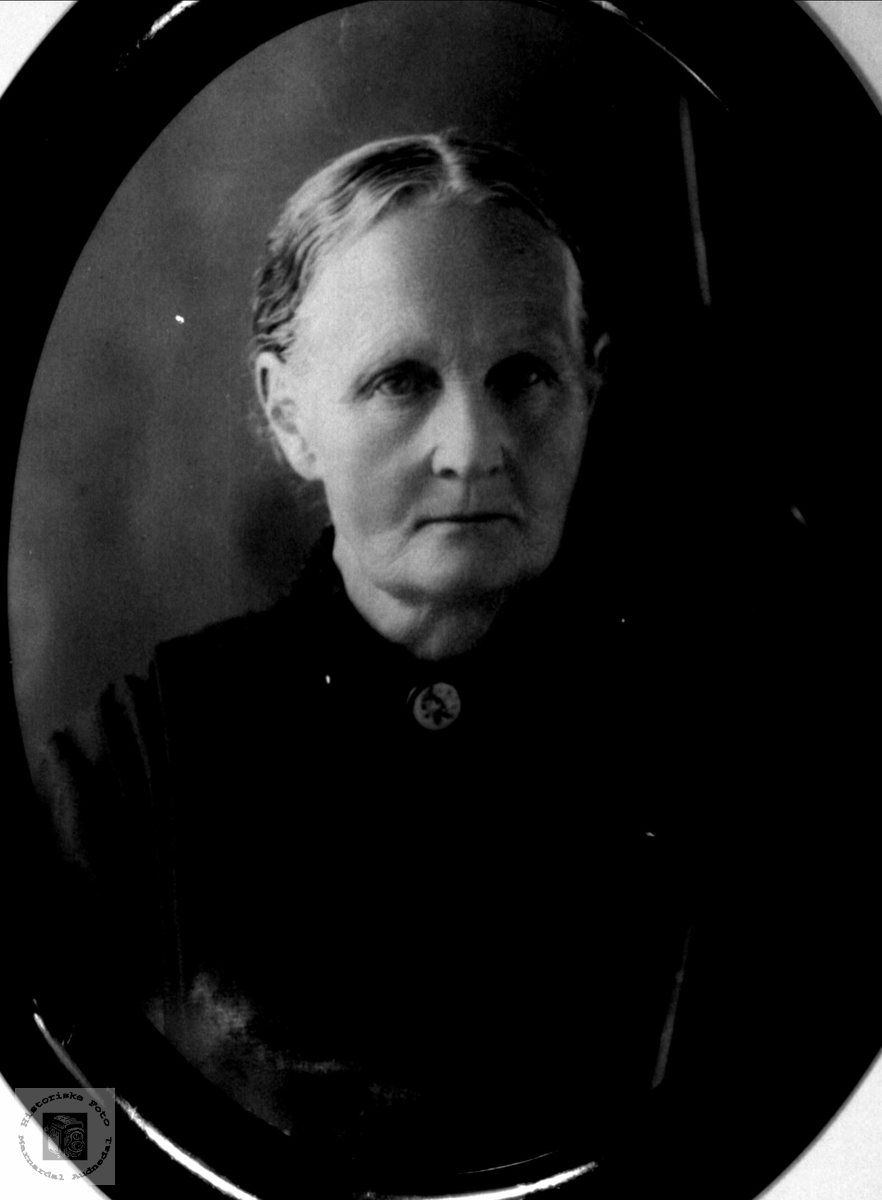 Portrett av Anne Margrethe J. Fidje, Laudal.
