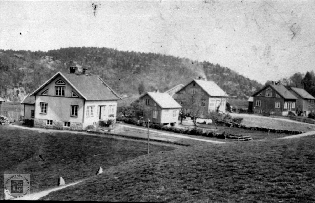 Nærbilde av Brelandgarden, Breland i Øyslebø.