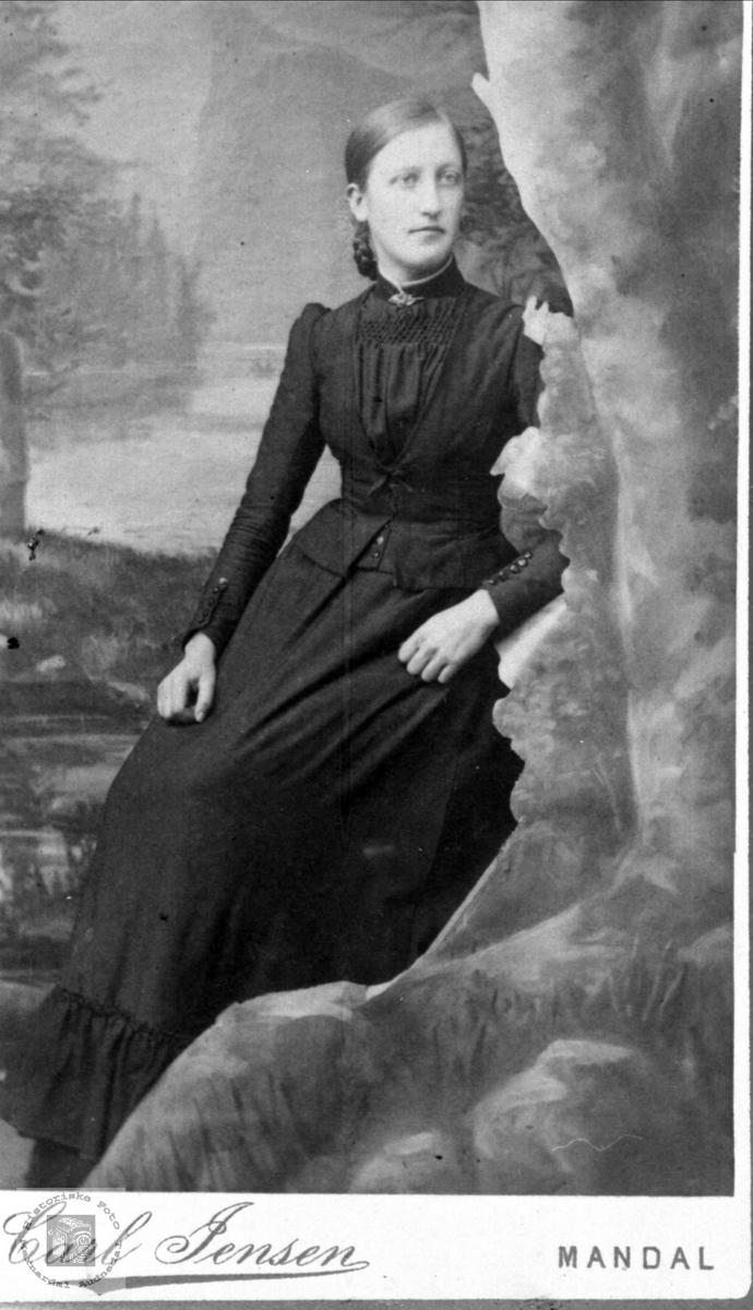 Portrett av Maria Spilling, Øyslebø.