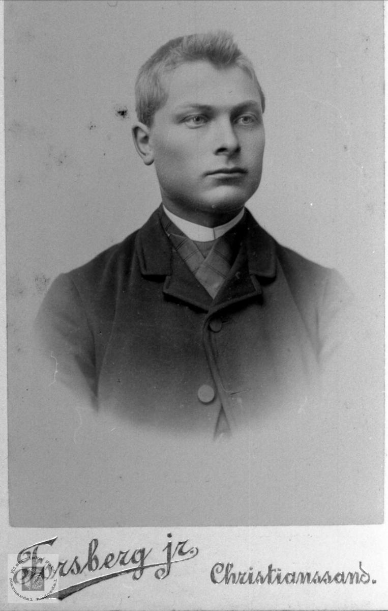 Portrett av Bent Finsdal, Øyslebø.