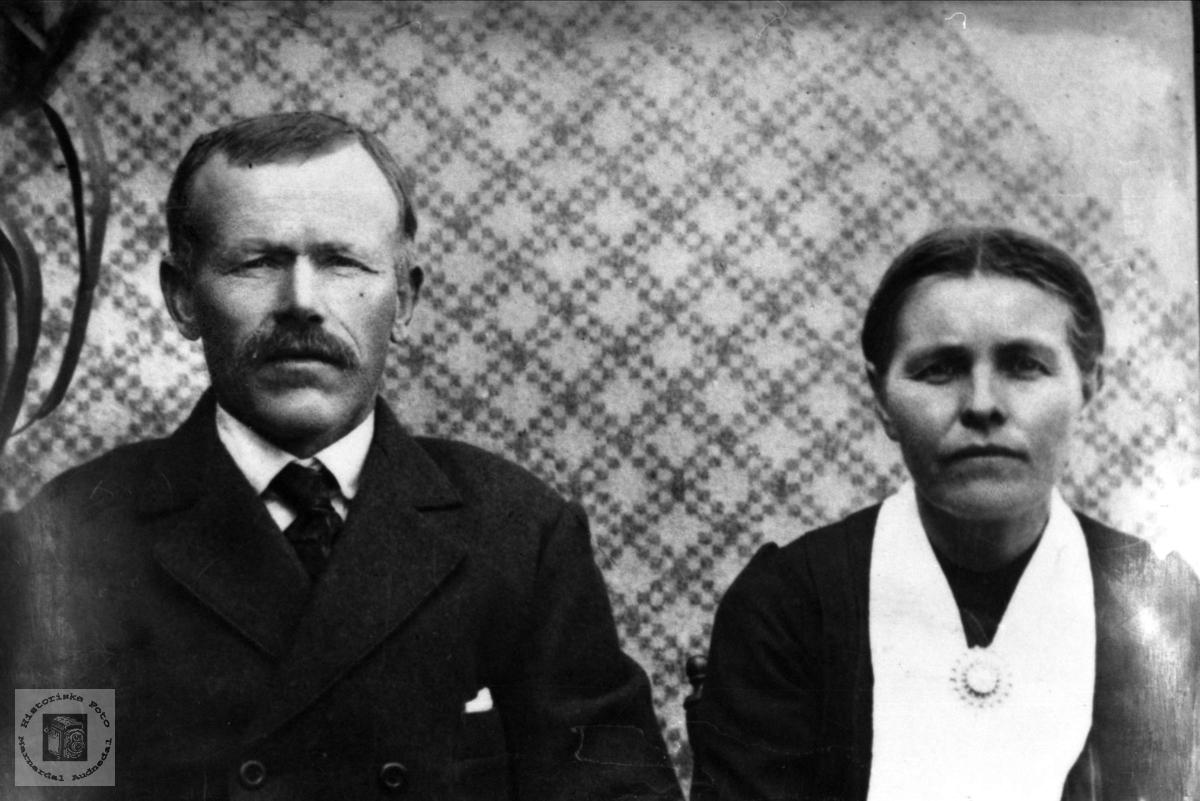 Ekteparet Tobias og Randi Flåd, Grindheim. Tobias var smed ved Flottorp gruver.
