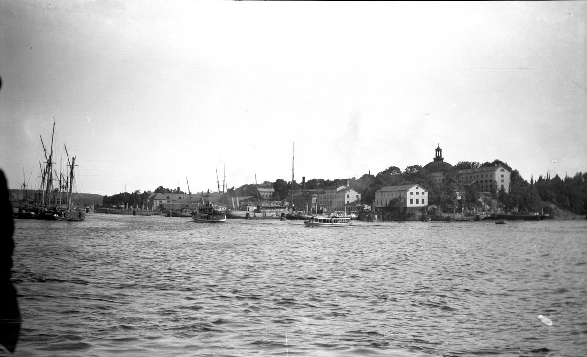 Skeppholmens norra sida från Strandvägen.