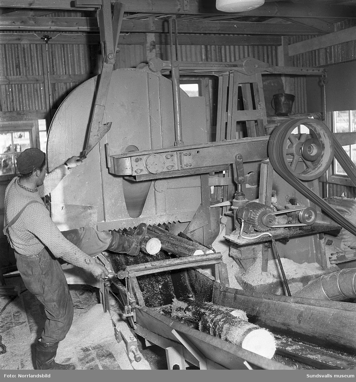 Bilder från verksamheten på Johannedals boardfabrik.