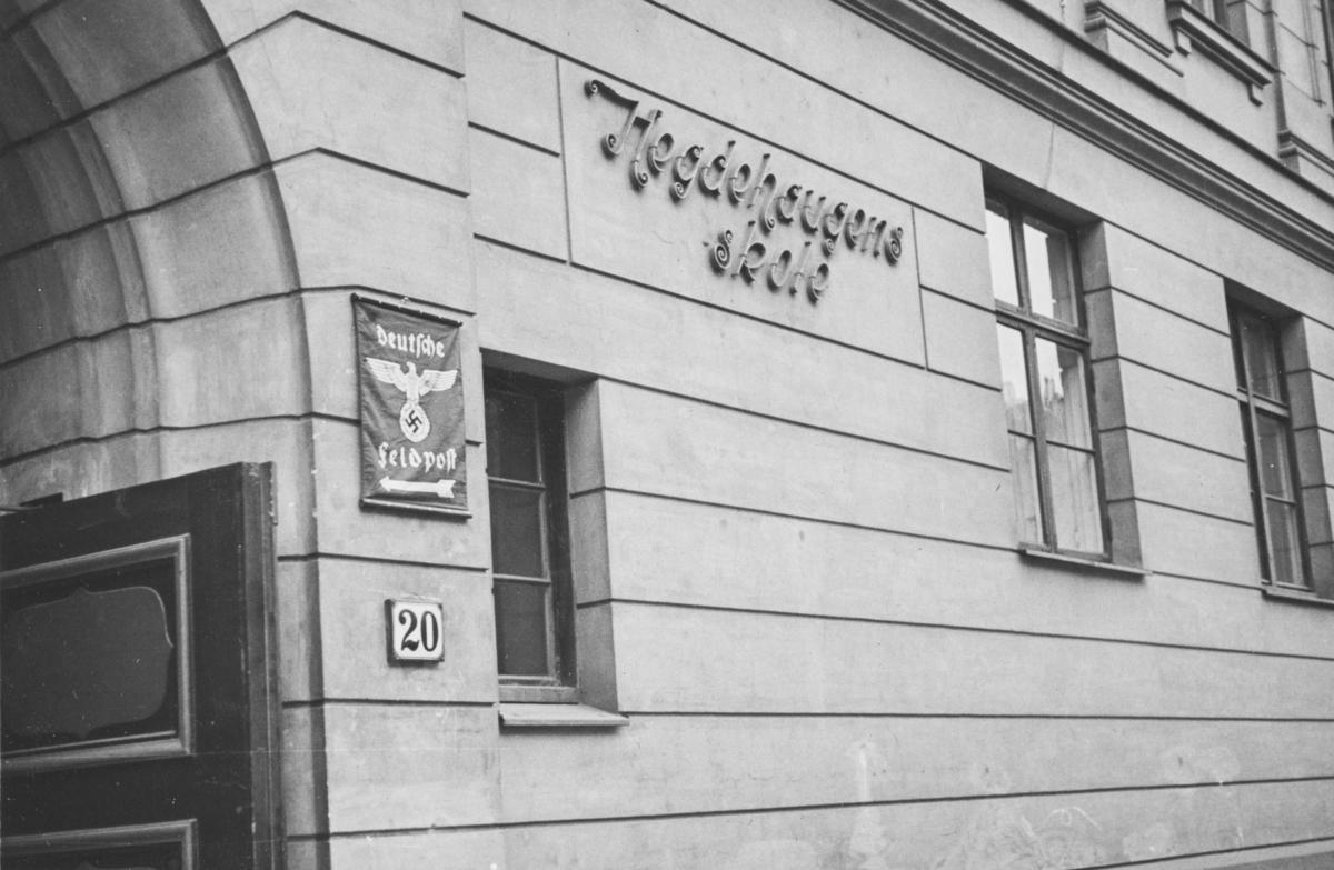 Deutsche feldpost har opprettet kontor på Hegdehaugens skole.