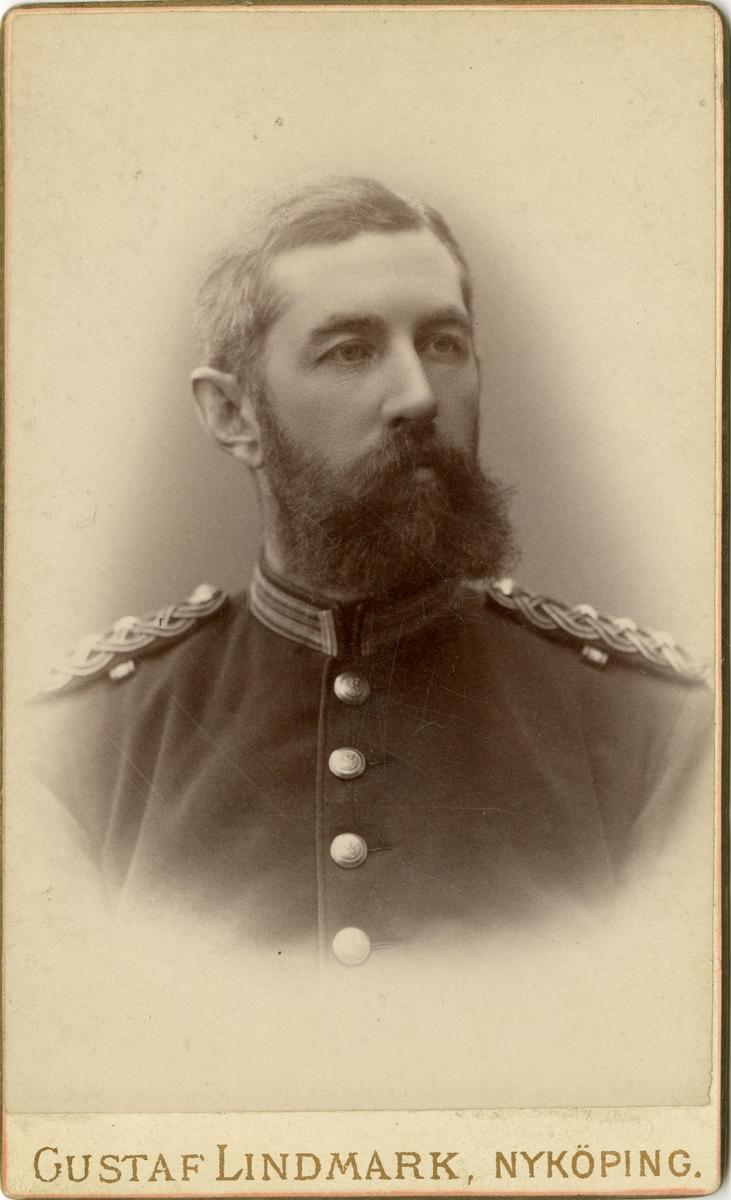 Porträtt av friherre Johan Knut Stiernstedt, kapten vid Södermanlands regemente I 10.  Se även bild AMA.0008503.