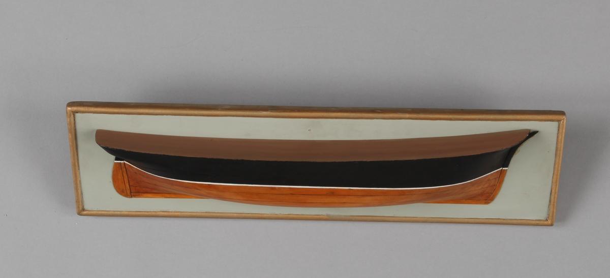 Halvmodellen av ukjent bark eller fullrigger som var skipsbygger Christian Brunchorst mesterstykke. Montert på treplate.