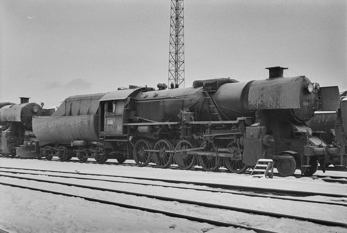 Hensatt damplokomotiv type 63a nr. 5843 på Marienborg.