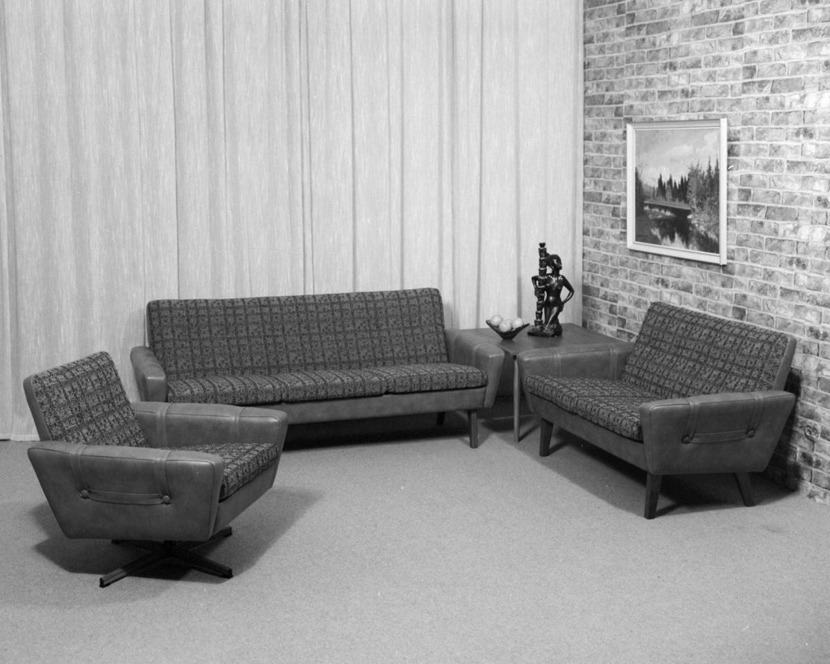 Salong.  3-seter, 2-seter og lenestol/svingstol.
