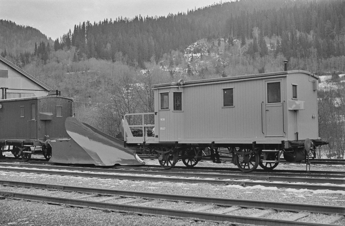 Høyfjellssporrenser nr. 9567 på Støren stasjon.