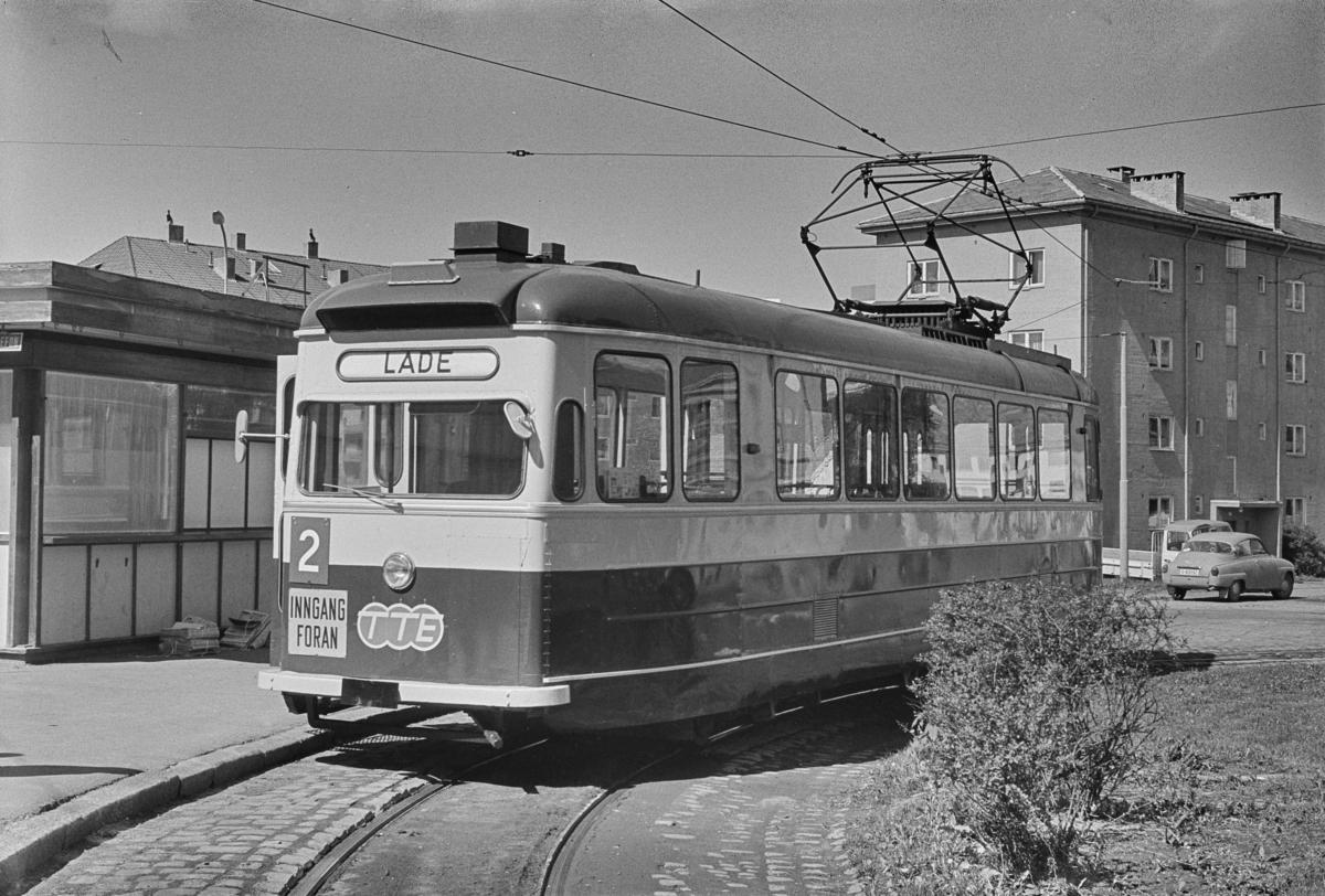 Trikk på linje 2 til Lade, her ved Dalsenget i Trondheim.