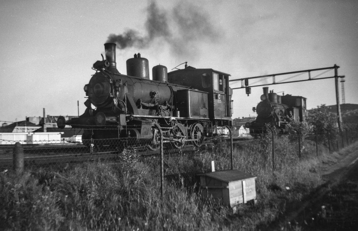 Damplokomotiv type 25a nr. 223 i skiftetjeneste på Trondheim stasjon