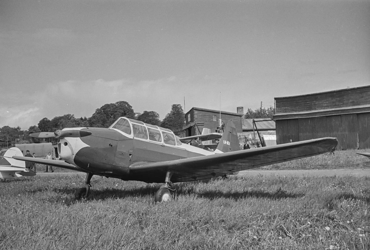 Flystevne på Lade flyplass. Fairchild Cornell LN-AEV