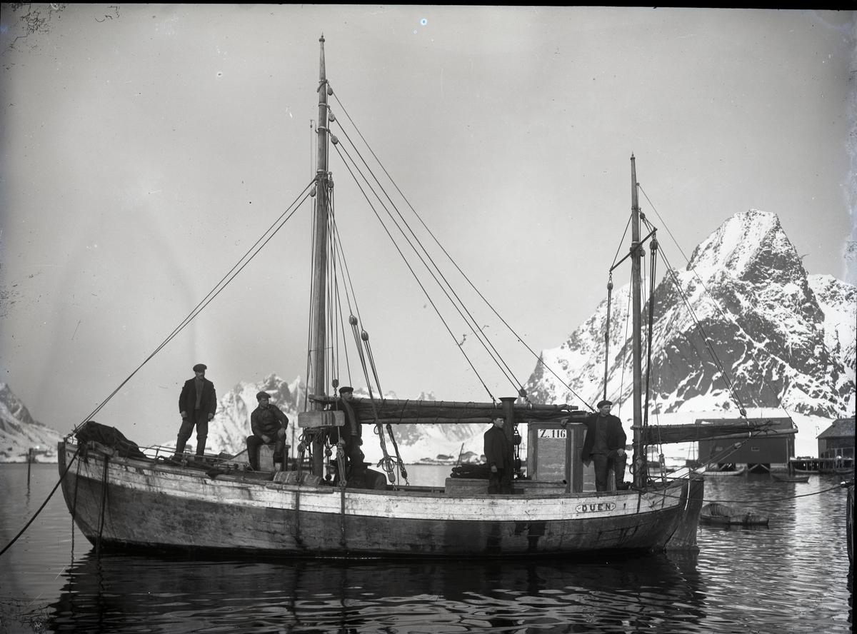 Fiskeskøyten 'Duen' Reg. Z116