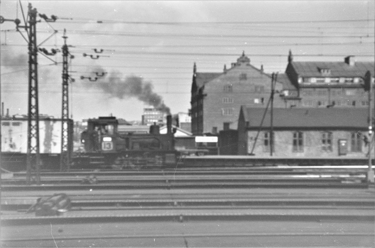 Damplokomotiv type 42a nr. 90 i skiftetjeneste på Oslo Østbanestasjon.