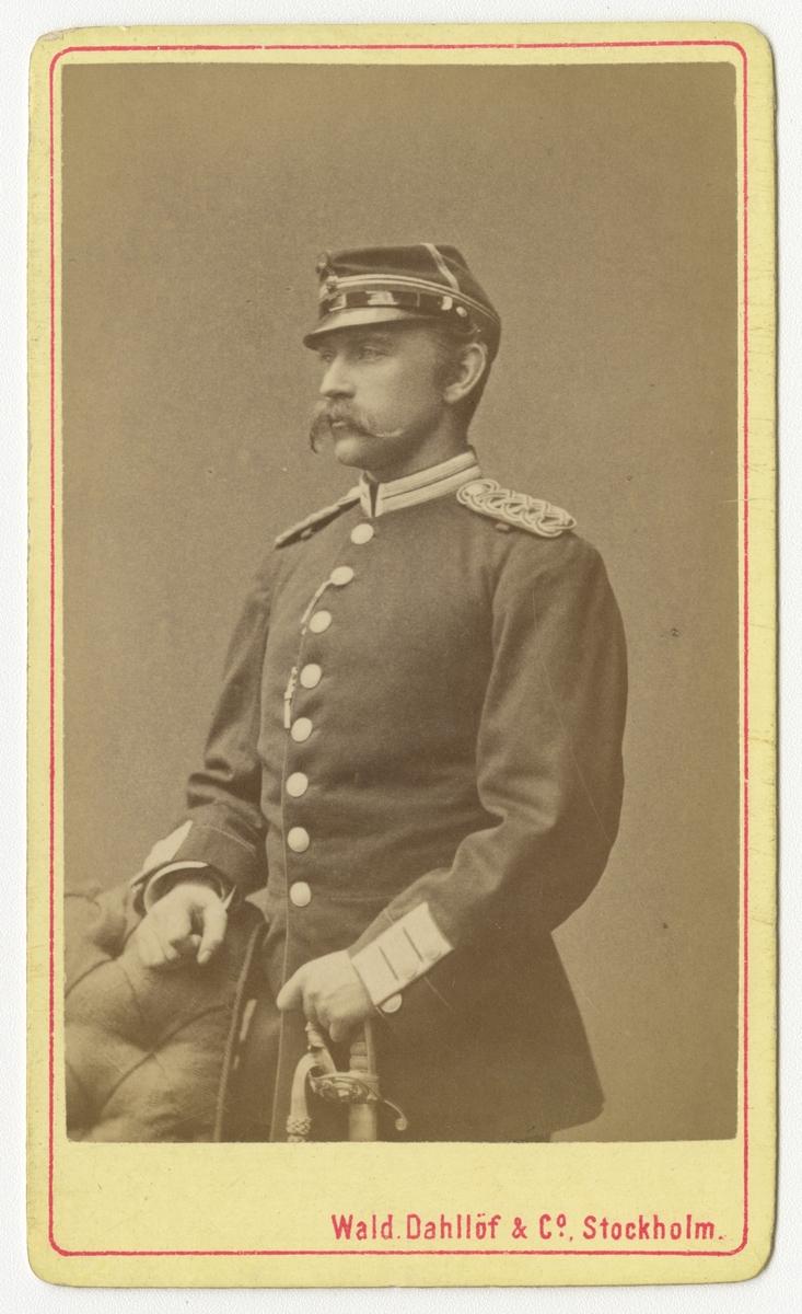 Porträtt av Gustaf Mauritz Theodor Tisell, löjtnant vid Värmlands regemente I 22.