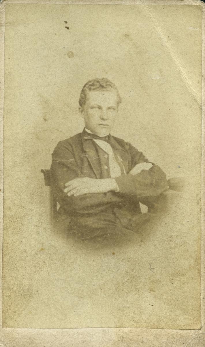 Journalist Calle Hjorth, 1865. Tidningsnov.