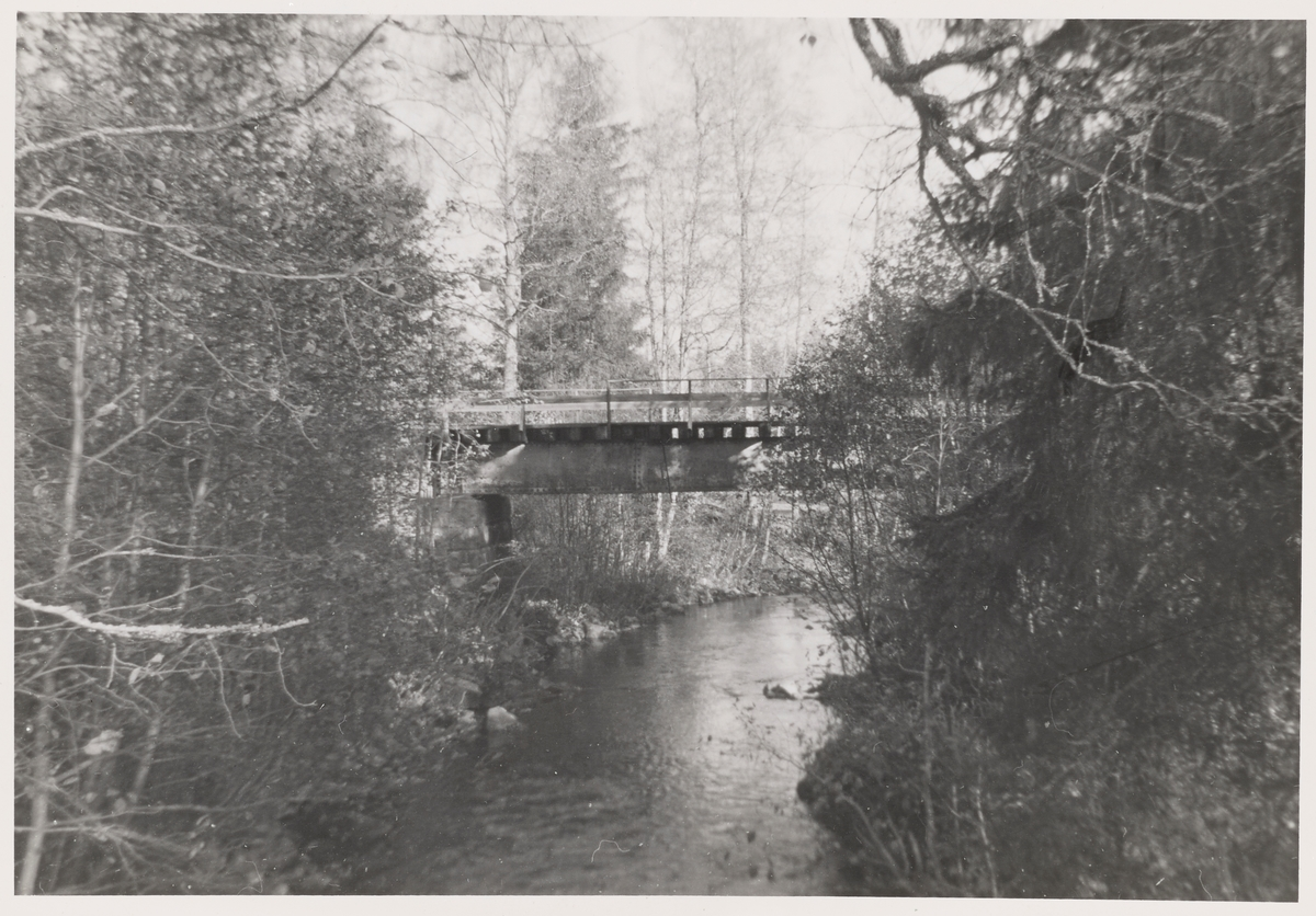 Bru over Øiåa ved Aurskog på nedlagte Aurskog-Hølandbanen