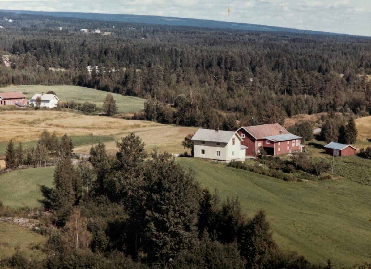 Haga, gnr. 82, bnr. 13. Vang H. Flyfoto 1960- tallet.