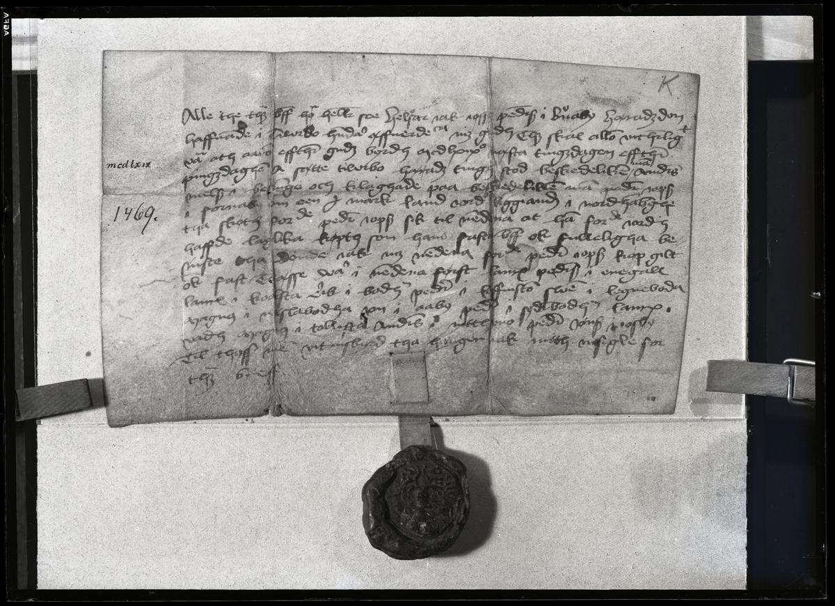 Pergamentbrev utfärdat år 1469. Västmanland.