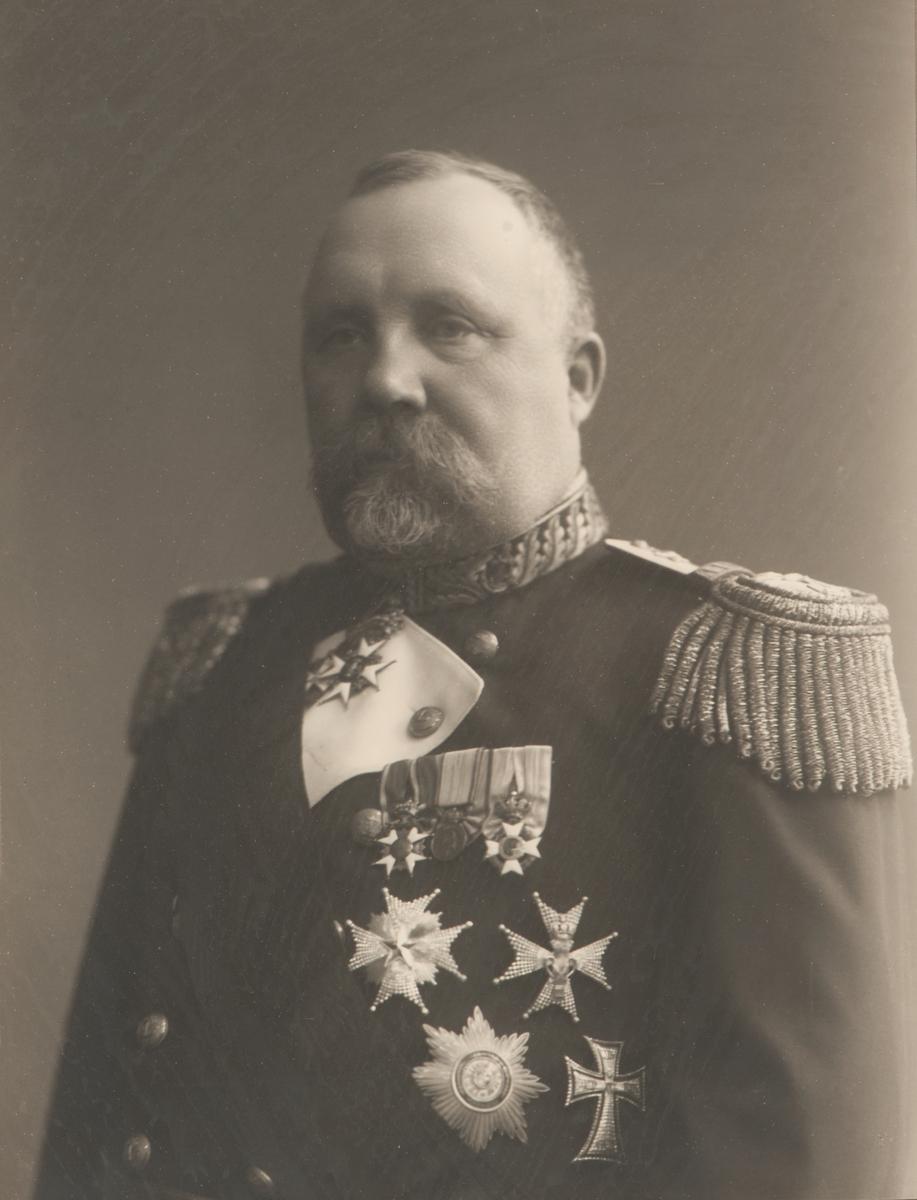 Porträtt av Wilhelm Linder.