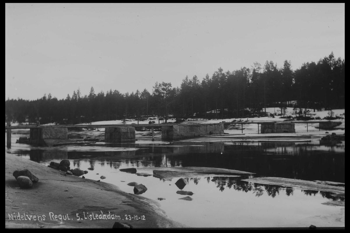Arendal Fossekompani i begynnelsen av 1900-tallet CD merket 0446, Bilde: 7 Sted: Lisledam Beskrivelse: Regulering
